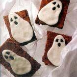 Halloween-kummitusneliöt. Reseptin on tehnyt Kotikokki.netin nimimerkki Cake