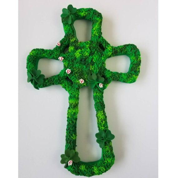 Polymer Clay Celtic Clover Cross wall decoration by HouseofKraken