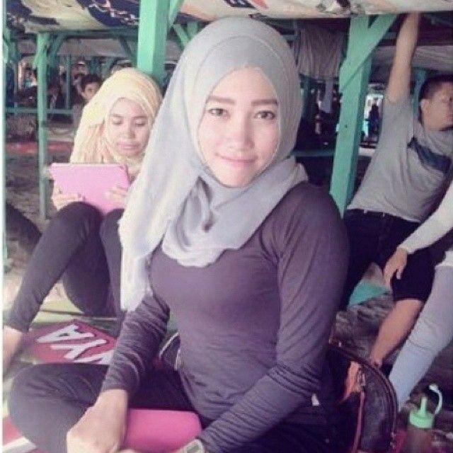 DM foto bagi kamu yang ingin dipromosikan IG-nya ya  #hijabstyle #cewek #wanitaindonesia #cewekindo #jilboobscantik #jilboobs #jilboobsindo #jilbabmontok #hijab #jilbabcantik #indohijabers #jilbabseksi #jilbabmontok #jilbabindo #hijabseksi #hijabers #jilboobsaddict