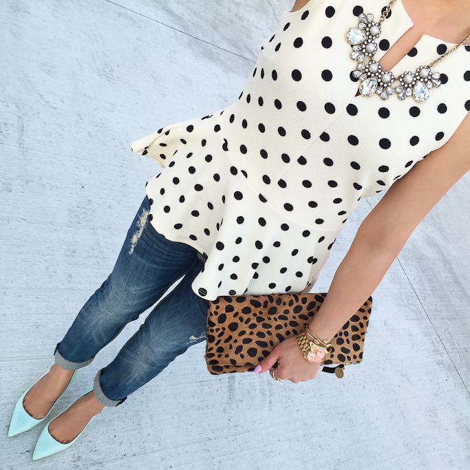 Polka dot top, leopard clutch, jeans, mint heels -   cute date night outfit. Love this whole outfit.