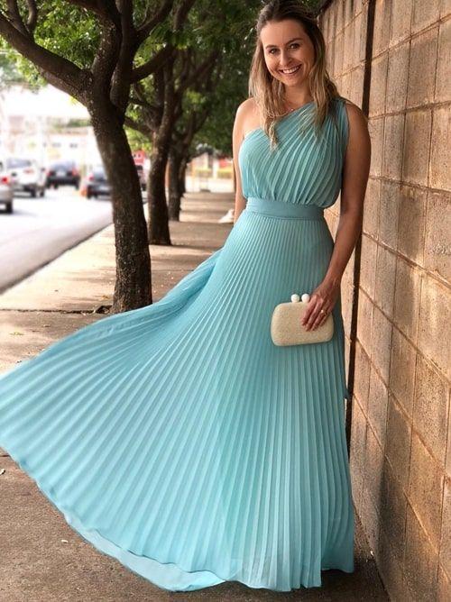 Vestido plissado: 25 longos para madrinhas e convidadas! (com imagens) | Vestidos estilosos, Vestidos, Vestidos longos estampados
