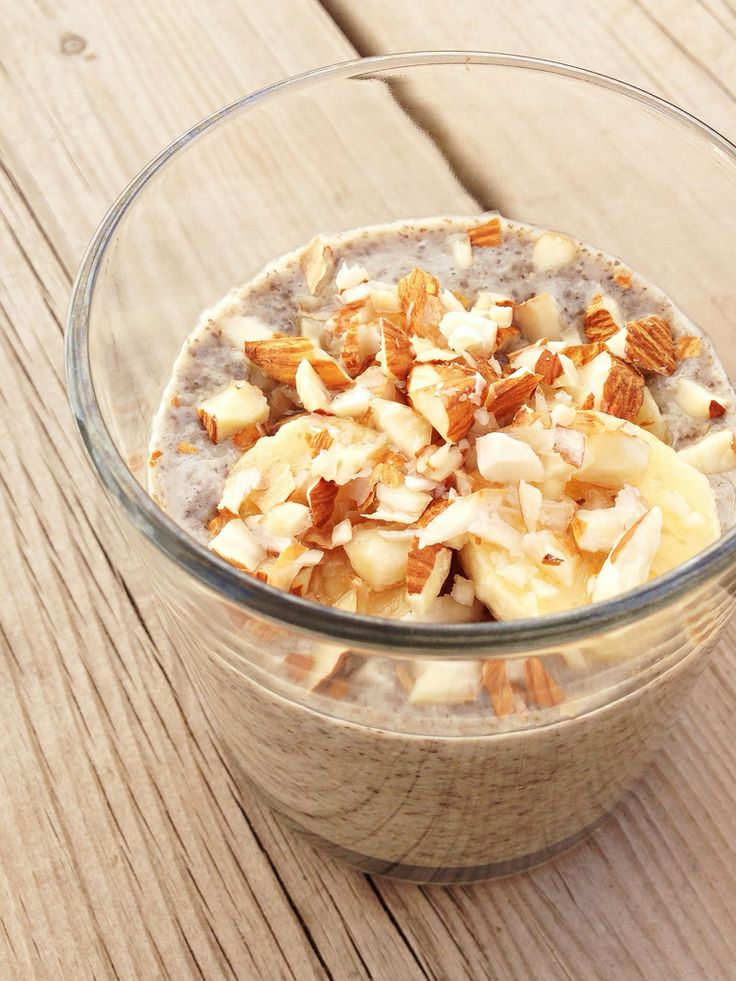 Super easy and healthy: chia pudding Mix chia seed with rice milk and honey, leave it for 2 hours so the seed can take up the rice milk, then finish with your own ingredients. The more seed, the thicker the pudding.