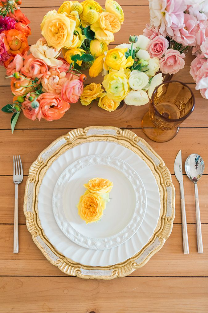 Add a floral touch to your table arrangement