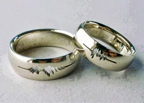 """A couple had their wedding rings engraved with a waveform of their own voices saying """"I do."""" So geeky:):):):):)"""