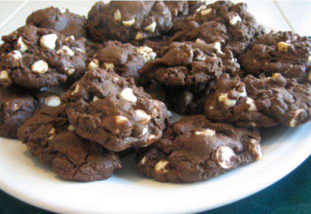 Double Chocolate Chip Cookies - Real Recipes from Mums