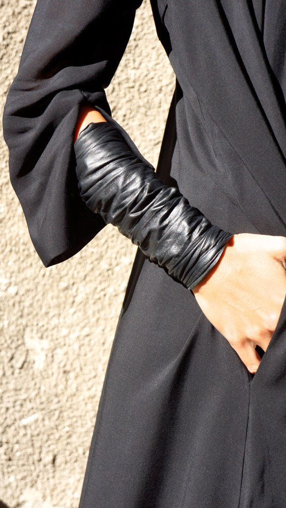 NEW Collection SS/15 Black Extravagant Leather Bracelet / Genuine Leather Cuff by AAKASHA A17187