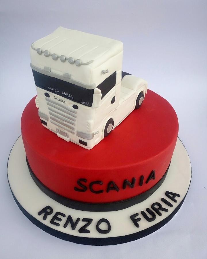 truck cake - cake by Mariana Frascella