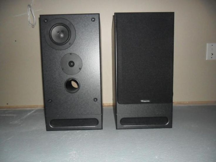 "2 black messina mss-200 speakers. excellent for music or movies. includes woofer that is positioned downward making the enclosure size smaller. details: -150w each, high frequencies: 1"" wide diffusion dome tweeter; midrange transducer: 4"" wide diffusion; - woofer: 8"" polypro, sub-enclosure - frequency response: 30hz - 20 khz - 8 ohms - dimensions: h x w x d = 20&"