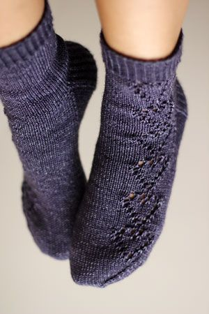 Pair of Hearts Socks - http://www.ravelry.com/patterns/library/a-pair-of-hearts-socks