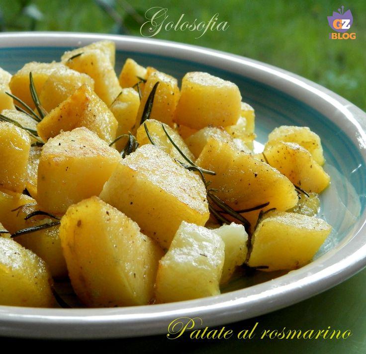 Patate al rosmarino, buonissime e semplicissime da preparare! potrete accompagnarle a svariati piatti di carne o pesce; sono molto versatili!