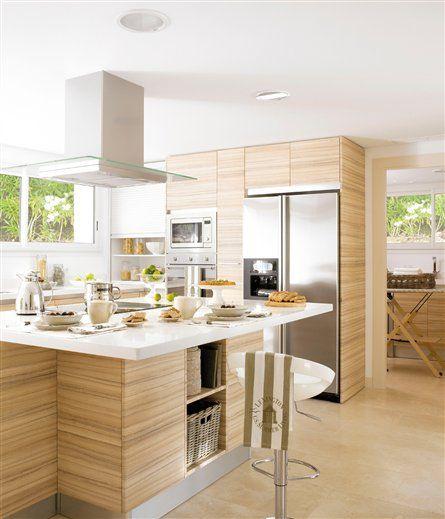 Las 25 mejores ideas sobre cocinas de madera clara en for Cocinas claras modernas