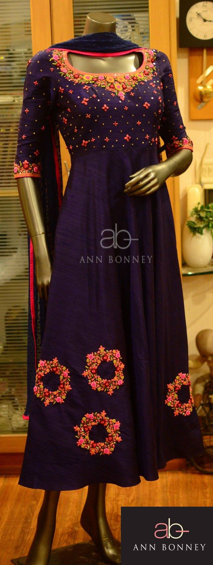 CODE:ABF104For details email roshly@annbonney.com orwhatsapp at 91 9773547895 31 October 2016