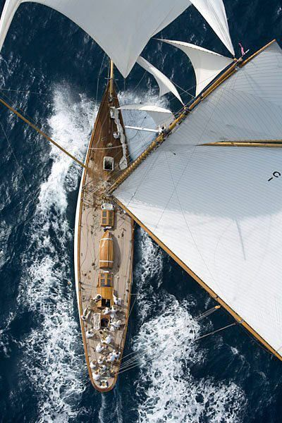 top-down perspective bird's-eye view overhead view sailing sea boat