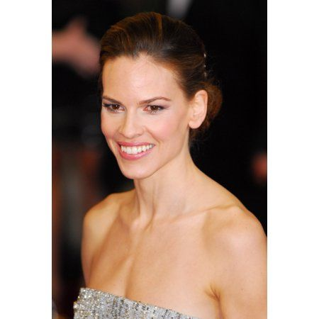 Hilary Swank At Arrivals For The 83Rd Academy Awards Oscars - Arrivals Part 2 Canvas Art - (16 x 20)