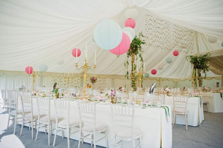 A stunningly dressed Traditional marquee @hill_place, image by www.dominiquebader.com