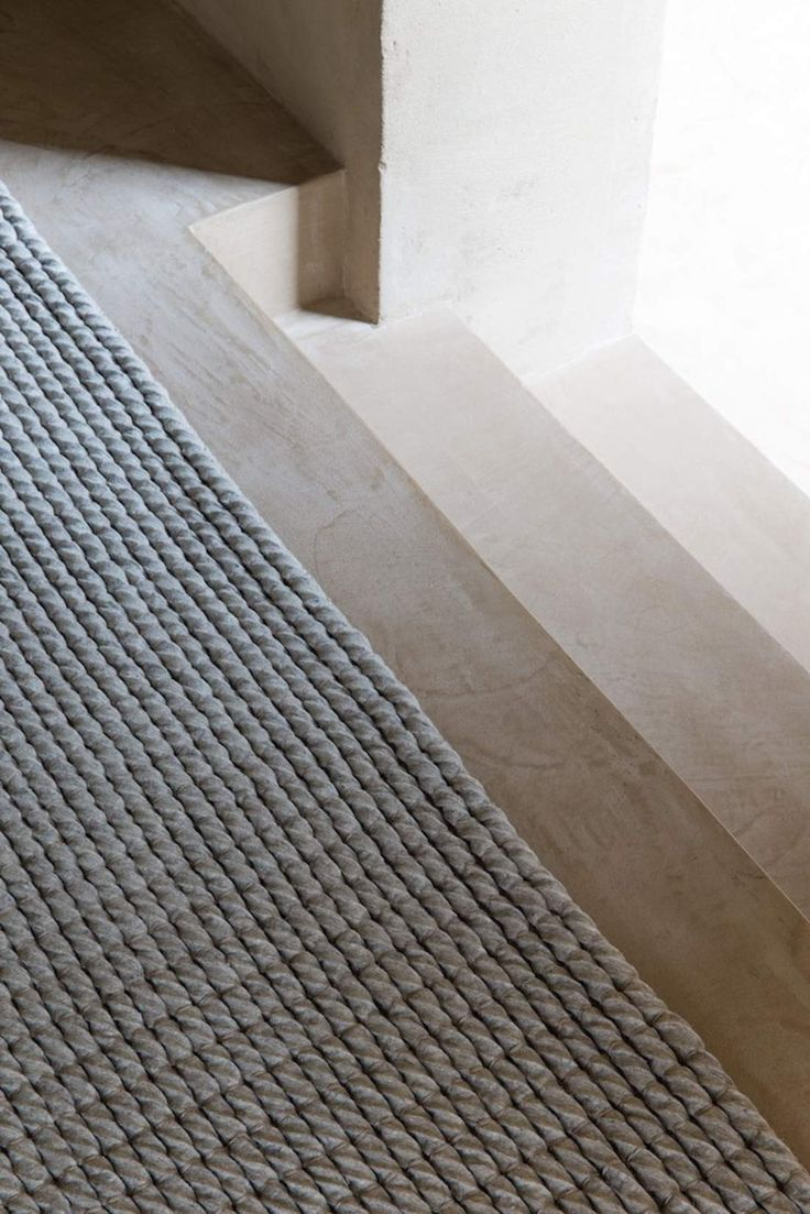 This Dream 220.001.920 carpet is designed in Belgium by LIGNE PURE. Buy ONLINE or in our SHOP in Willebroek, with FREE delivery and return guarantee.