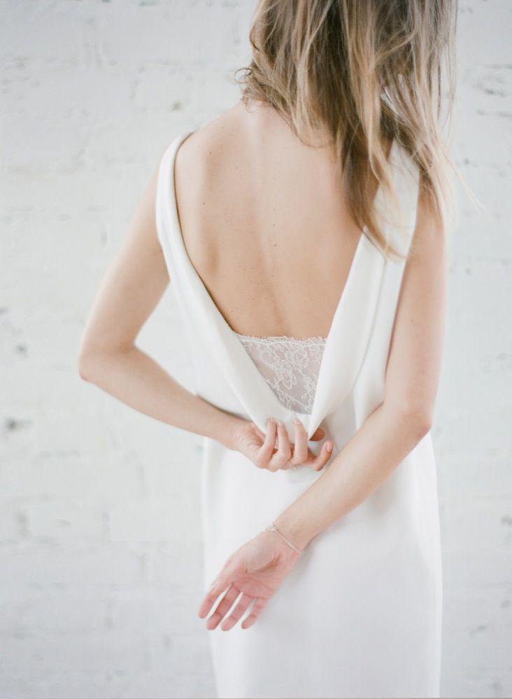 La mariee aux pieds nus - Photographe Greg Finck - Rime Arodaky - Robes de mariee courte - Mariage civil - 2015 - Modele Harmony