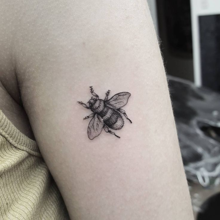 Tattoo Small Details: Small Bee Packed With Loads Of Detail