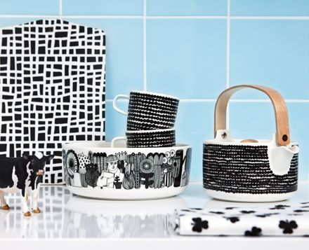 Marimekko teapots and dishes, combine to mix and match to create your own mood,