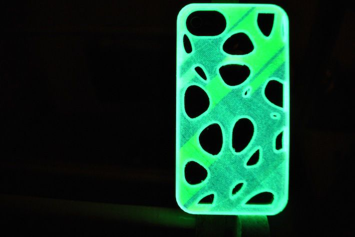 fluorescent iphone case designed and 3D printed by parametric | art3D scanned sculpture 3D printed with sandstone by parametric | art #3dprint #filament by #gigamax3d http://gigamax.hu http://parametric-art.com/2013/10/02/3d-nyomtatas-otthon-specialis-anyagokkal/