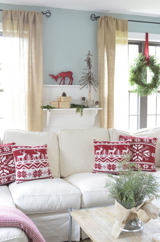 Red + white Christmas living room + love the wreaths hanging on the windows. Gorgeous home tour @4gens1roof