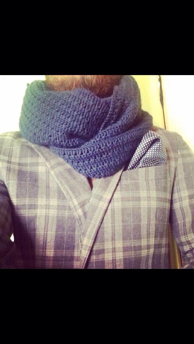 Sciarpa uomo in lana lavorata s uncinetto