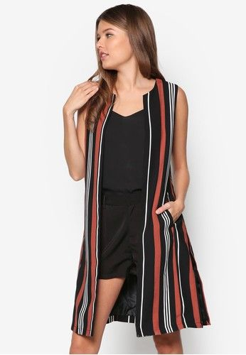 Black Sleeveless Jacket from Dorothy Perkins in black and multi_1