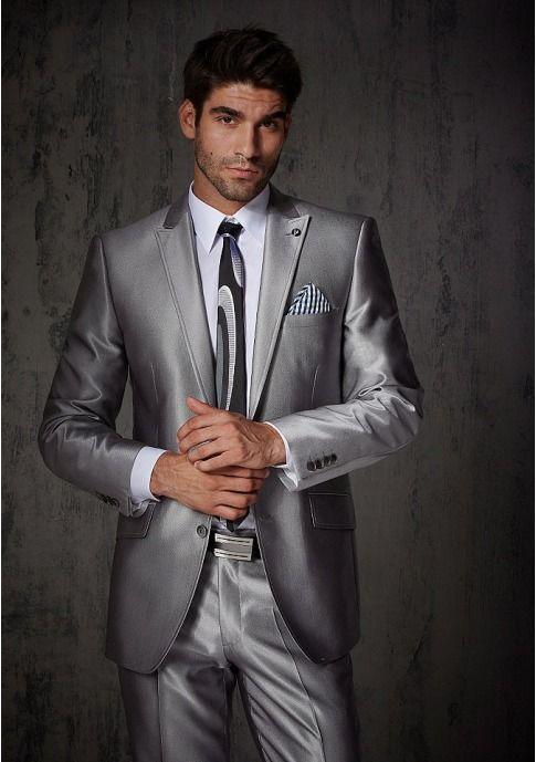 Выбрать в AMODERNA.RU  Мужской стильный костюм, 2 части. BRUNO BANANI. Пиджак на 2-х пуговицах, нагрудный карман, косые карманы с клапаном и разрез сзади. Высококачественная внутренняя отделка: 4 внутренних кармана
