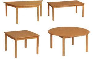 Holztische für Kindergarten
