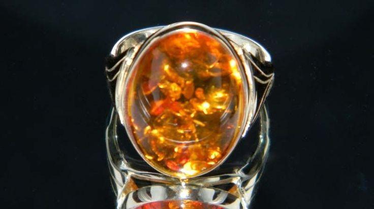 Pz018 - pierścionek złoto, bursztyn.