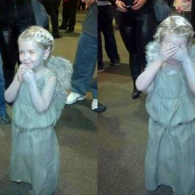 little kid cosplay for doctor who i love how one is really trying to act like a weeping angel and one is acting like the creepy one from angels - Kids Doctor Halloween Costume