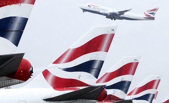 Do Británie vtrhla bouře Doris, zrušeny jsou desítky letů. Potíže má i Londýn