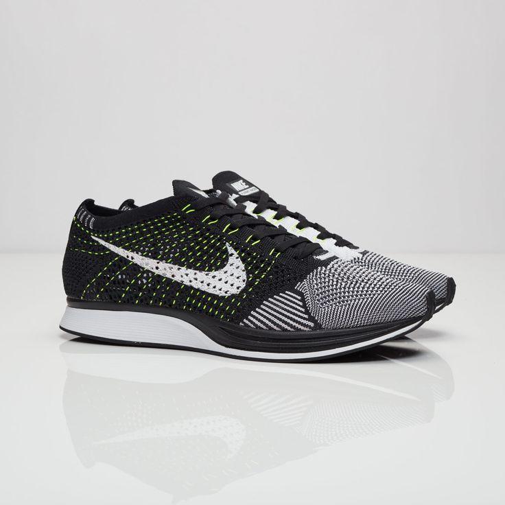 Nike Roshe Courir 14 Chaussures De Sport En Chorded Noir Et Blanc