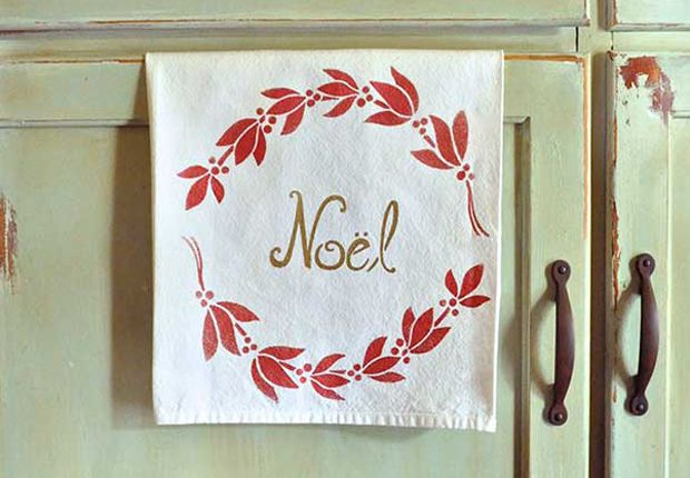Stencil DIY: 4 Ways to Turn Plain Towels into Christmas Cloth Napkins - Paint + Pattern