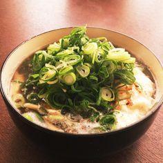 体内を、本気でデトックスしたい時、簡単に効果が期待できるのが、野菜をたっぷり摂ることができるデトックススープ。さらに、温かいスープで体温を上げ、代謝を高めていくことで、ダイエット効果も期待できるとか。しっかり食べることから始まるデトックス。あなたも始めてみませんか?