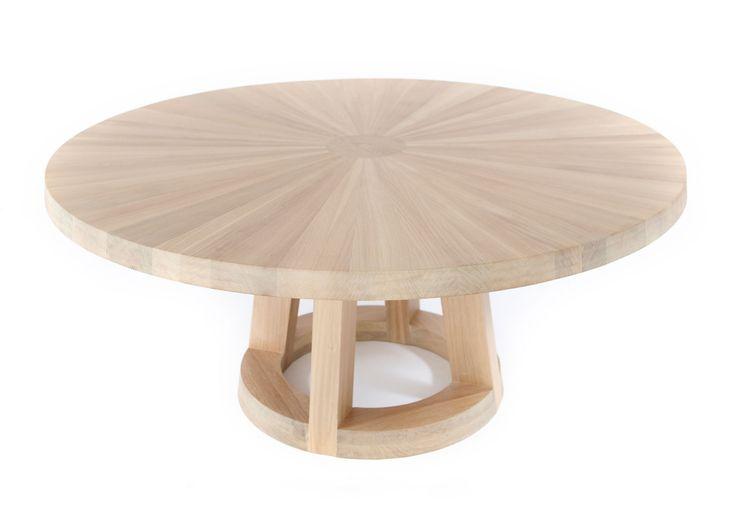 Solid ronde houten tafel door Remy Meijers | Odesi. Dutch Design Online