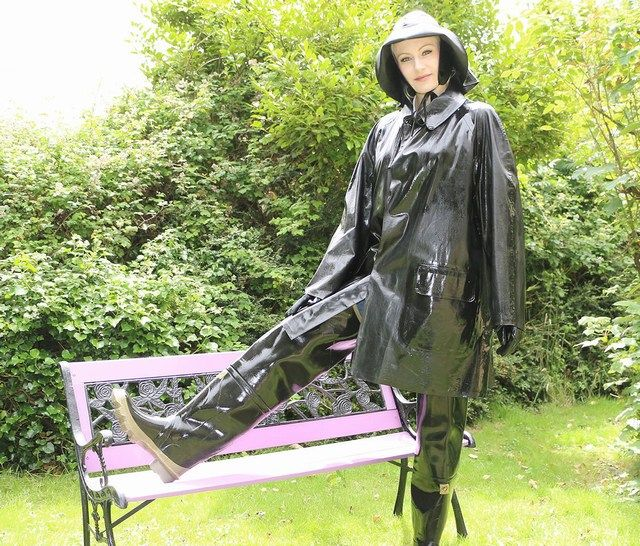 Annabel from pvc and raincoat fetish