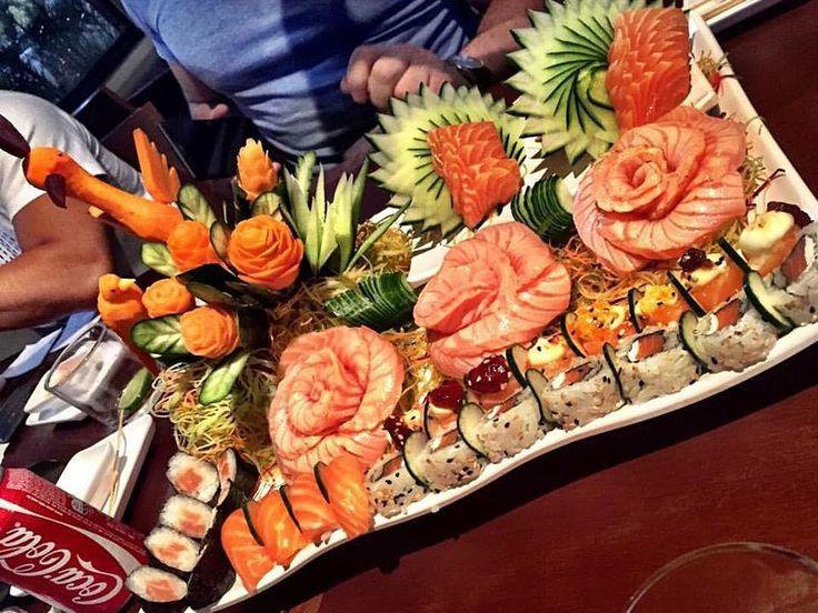 Que tal finalizar a sua quinta feira saboreando o melhor da gastronomia japonesa na região ! Então vem pro @agarusushi !! #vemproagaru #agaru #agarusushi #agarusushilounge #balcao #sushi #sashimi #temaki #japafood #restaurantejapones #japonesefood #gastronomia #festivaljapones #zerotreze #013 #baixadasantista #praiagrande #bjj #jiujitsu #ufc #mma by agarusushi