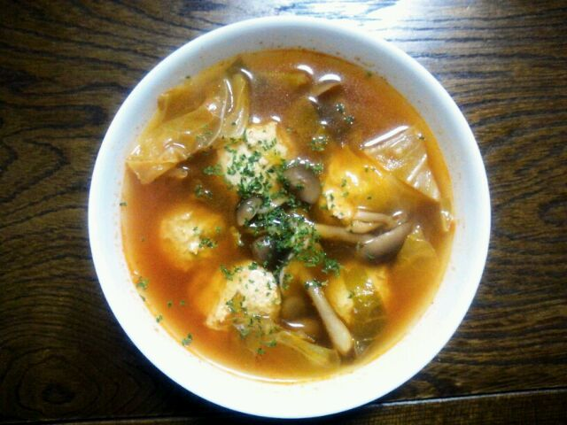 さっぱりしていてとても美味しかったです(*^▽^*)♪ - 154件のもぐもぐ - KAGOMEketchupの春キャベツとつくねのスープ by sakachinmama