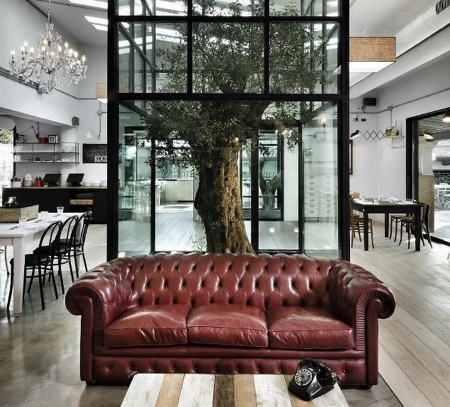 noses-architects | PROJECTS / Get started on liberating your interior design at Decoraid (decoraid.com) / Pantone marsala
