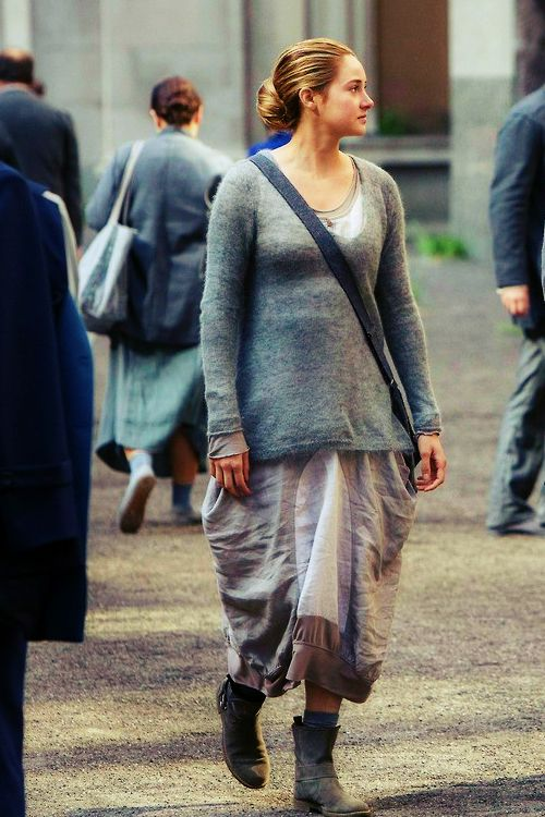 9 best images about Abnegation clothes on Pinterest ...