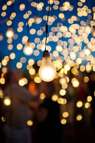 I think that these light bulbs are such a cool look for summer or winter evnets.