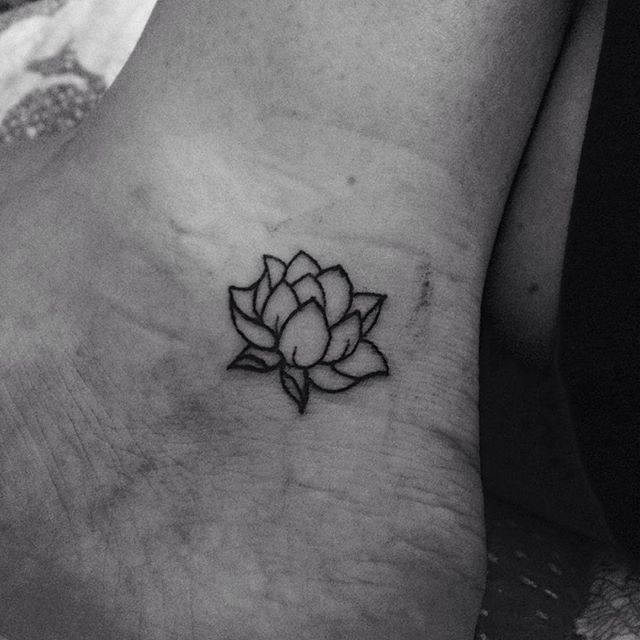 Little 5rl lotus flower on the ankle from yesterday.. #flowe ...