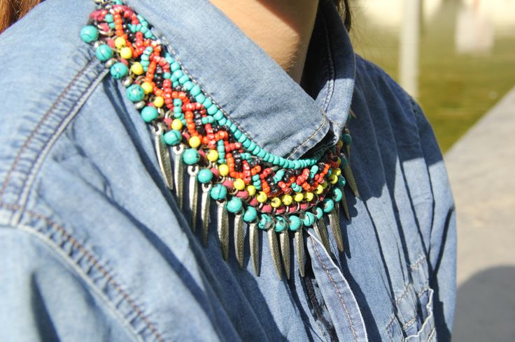 Multicolor and afro style necklace