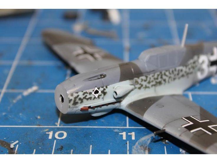 Bf-109F-4 - Italeri - 1:72 - Paulo Ayres - Iniciando os detalhes no pincel!