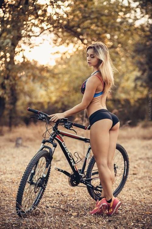 Ljepotice i bicikli - Page 12 14ab03196e7154ba0ad727f08a2e6592
