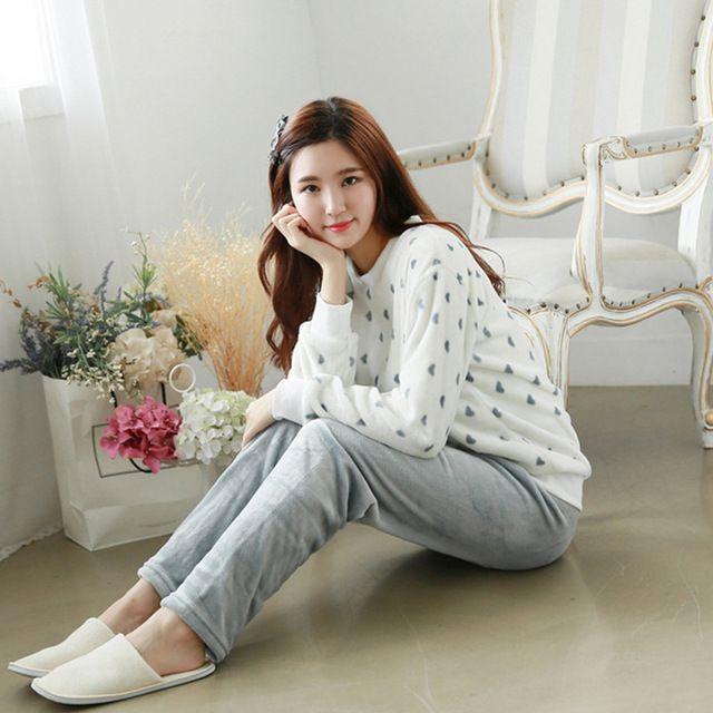 2017 Pyjamas Women Cute Winter Warm White Flannel Cartoon Pajamas Set Thickened Women Sleepwear Long Sleeve Adult Pajama Pants