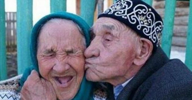 19 habits of adorable elderly couples