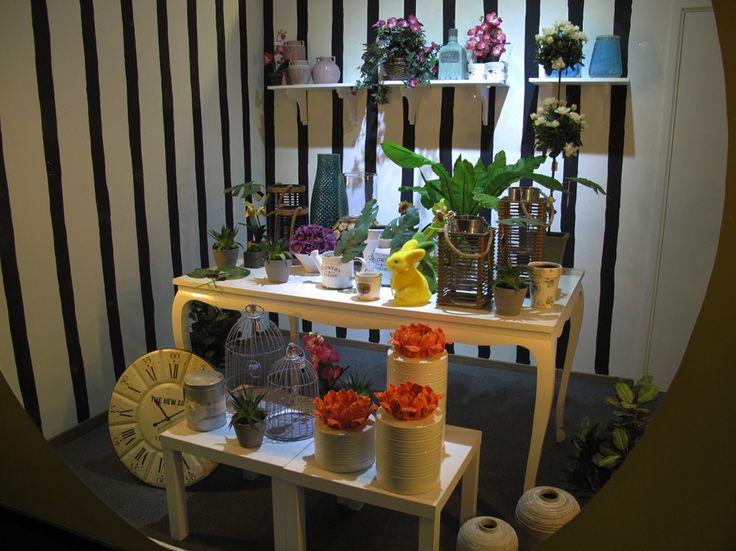 window display by alex montiel shop decoration design studio - Idea Design Studio