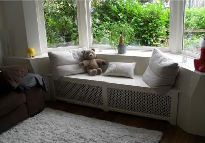 bay window seat with ideal spacer between seat and window